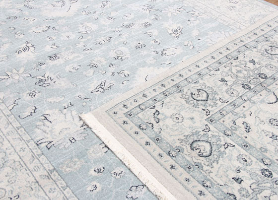 Uşak Rug: Traditional patterned and machine made rug manufactured from dust and pilling free antiallergic polypropylene