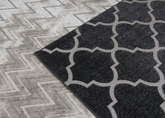 Pablo: Polypropylene machine made rug with colorful modern designs