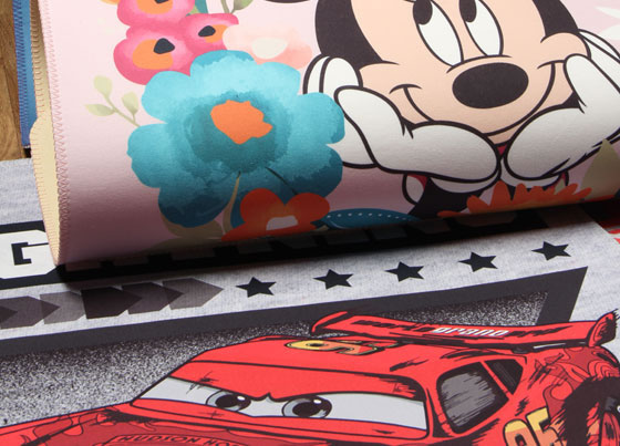 Disney Land : Polyester rug with non-slip backing produced throuhg digital print technique