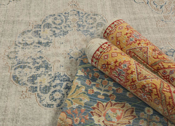 Spirit: Traditional designed polyester machine made rug with vintage look