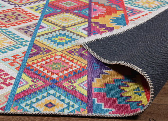 Bahama : Polyester and cotton print kilims with colorful and ethnic designs