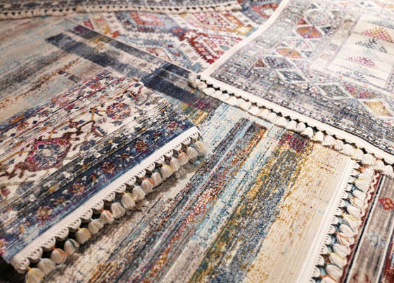 Petra: Modern design with ethnic details made colourful machine rugs