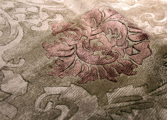 Fantacy: Viscose and cotton hand knotted rug